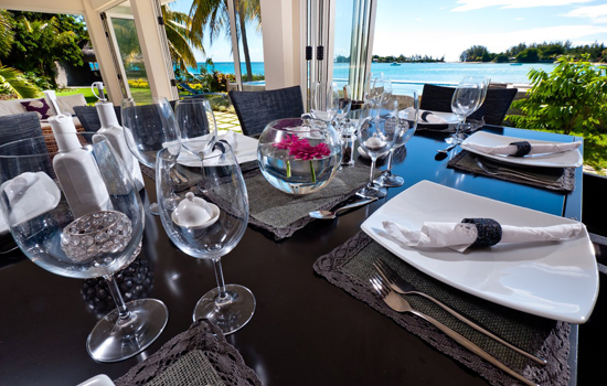 villa infinity outdoor dining